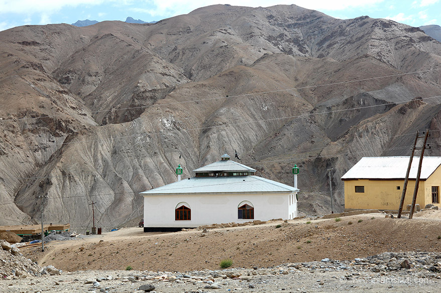 Drive from Leh to Kargil